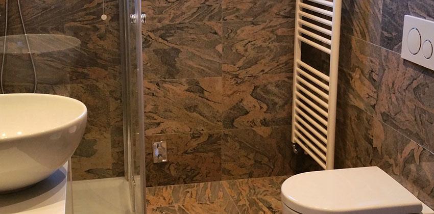 Rivestimento bagno in granito lucido JUPARANA' COLOMBO
