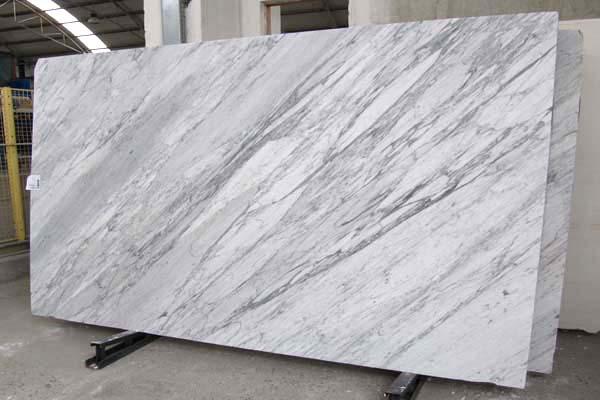 Lastre lucide marmo di Carrara in blocco