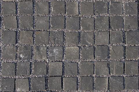 Pavimentazione cubetti porfido