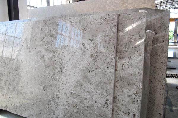 lastre marmo aurisina lumachella