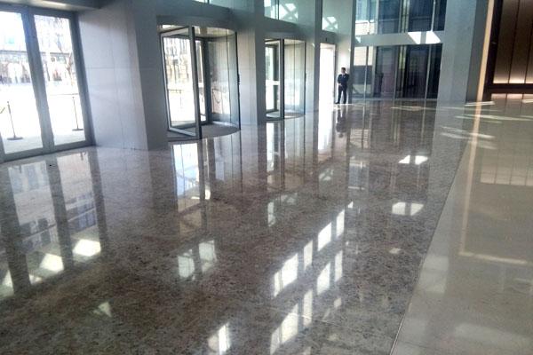 pavimentazione centro commerciale (Cina) in LUMACHELLA e REPEN UNITO