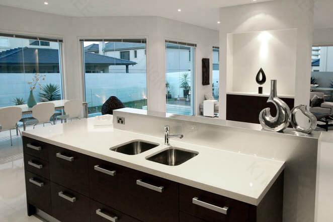 Table de cuisine en pierre artificielle blanche