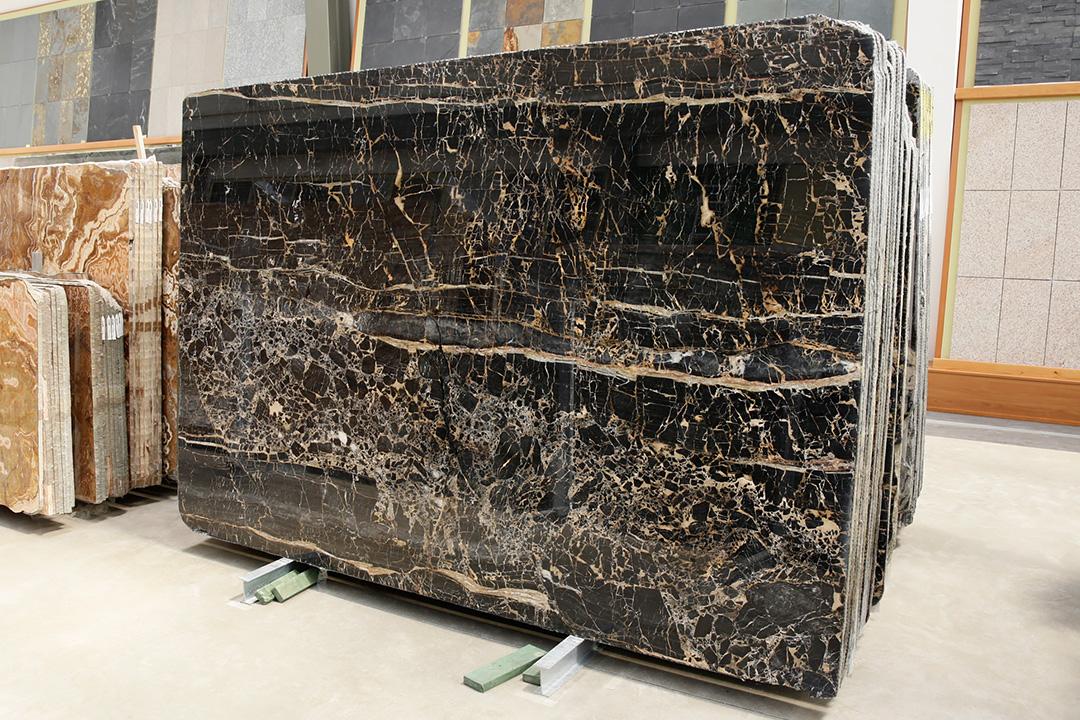 Lastre marmo nero Portoro