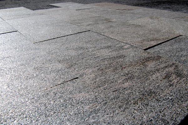 pavimento in QUARZITE GRIGIO ROSA