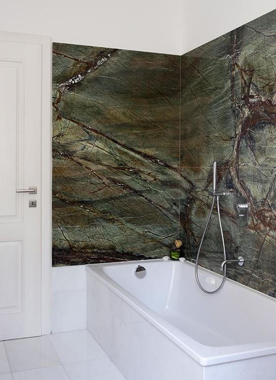 Rivestimento vasca da bagno con marmo verde Rain Forest