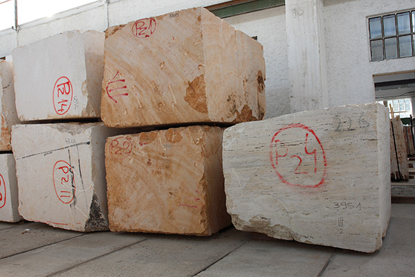 Travertine noce blocks