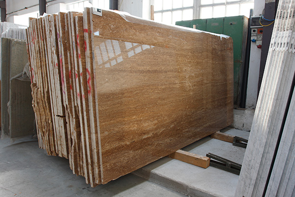 Polished travertine walnut/noce slabs