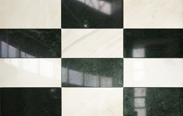 Pavimento marmo Verde Guatemala e BIANCO